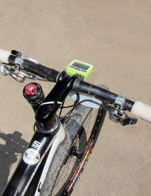The Cannondale OPI integrated stem and steerer clamp onto a Syntace Duraflite 31.8 Carbon handlebar