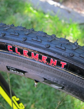 Don't be fooled by the Clement decal - this was a Dugast Typhoon that was used as a placeholder on Ryan Trebon's back in August. He's now on sponsor-correct tires including the PDX and LAS tread patterns