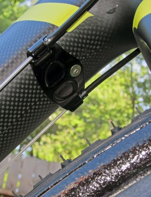 The Felt F1X uses the same cleverly convertible cable routing arrangement as the F1 road bike. The bolt-on housing guides can be removed and swapped for an internal setup to accommodate Shimano Dura-Ace Di2