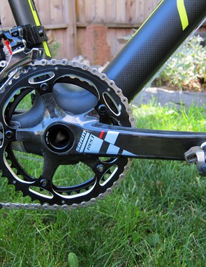 The otherwise SRAM drivetrain is fitted with Shimano's latest XTR clipless pedals