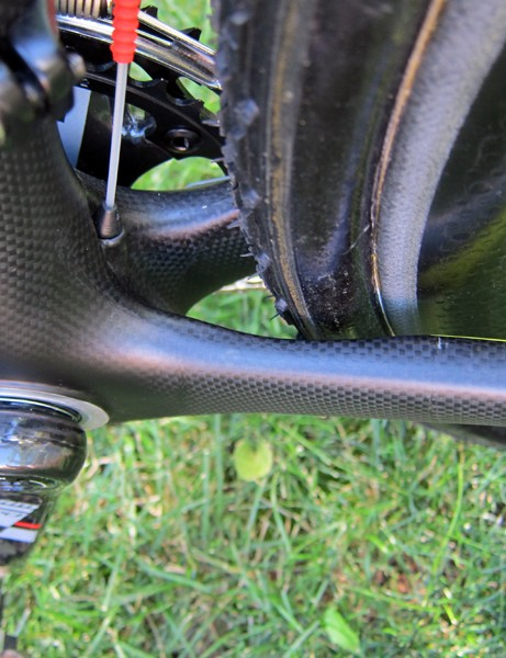 Felt's F1X has no shelf behind the bottom bracket on which mud can accumulate