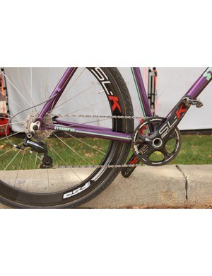 Berden's 1x10 drivetrain pairs a 42-tooth chainring with an 11-28-tooth cassette