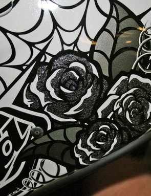 Glittery roses on the D2 Voodoo White