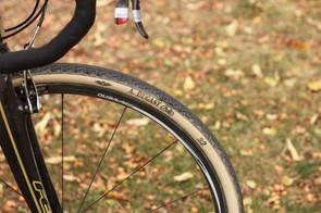 The Pipisquallo is a slightly more aggressive version of the Pipistrello file-tread tire