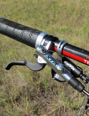 The Shimano XTR controls were flawless throughout testing though we missed the adjustable pad contact to even out the left and right brake lever stroke