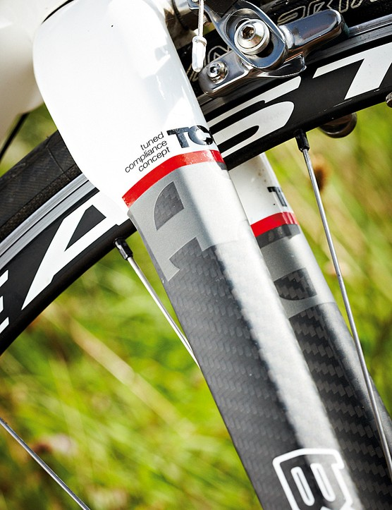 A stout fork crown keeps the handling sharp