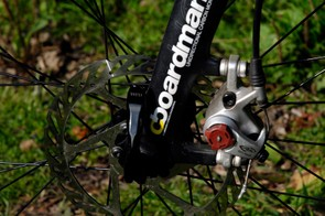 Fork disc mount