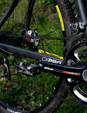SRAM's Force groupset handles shifting duties with its DoubleTap shifters and mechs, combined with FSA's Energy Compact BB30 crankset (50x34t) and a Shimano 12-27T cassette