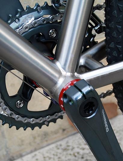 Hope bottom bracket on the Qoroz Cyclo-cross Won