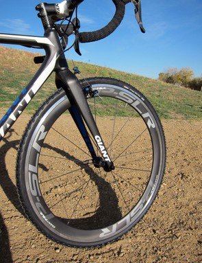 Giant equip the TCX Advanced SL with their house-brand P-SLR1 Aero wheels. We've used them before on the road and were impressed with their performance but seasoned 'cross racers will still prefer tubulars