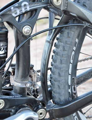 Giant's 'Y' brace helps keep the rear-end laterally and torsionally stiff