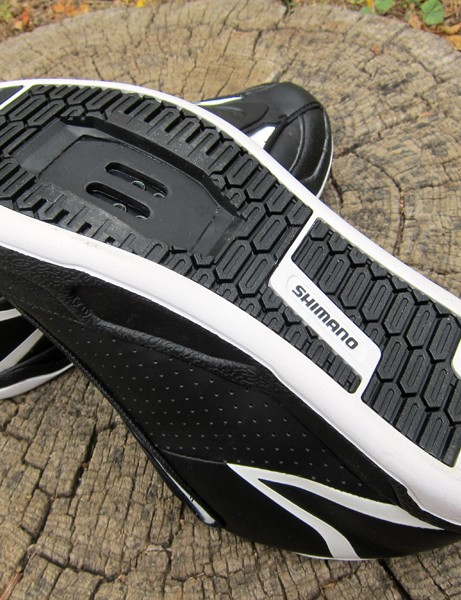The outsole looks like it'll be a good fit on large-platform clipless pedals but the smooth tread may not be the best for scrambling up muddy or loose terrain