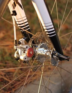 Avid's BB7 brake handle braking duties on Johnson's new bike