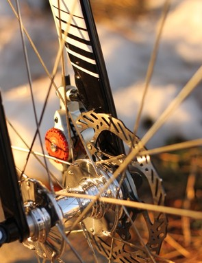 A 140mm rotor and White Industries MI6 hub finish the package