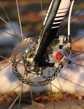 Johnson's bike is fitted with Avid's XX 140mm rotors; this angle also gives a better look at the minimalist brake mount