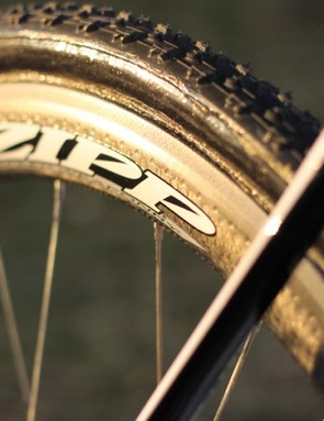 Thorne equipped the disc bike with Dugast's discreet black-wall Rhino tires, which are normally reserved for teams and riders with other tire sponsors. He said it helps to quickly differentiate the disc wheels from standard in the team's trailer