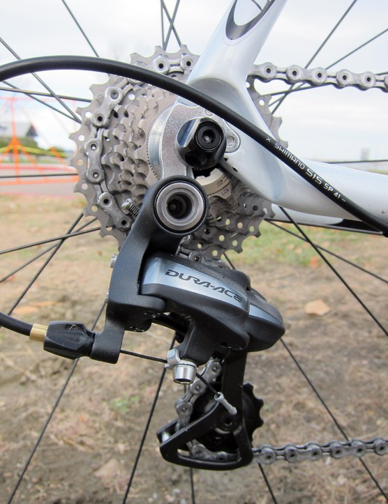 The Shimano Dura-Ace mechanical rear derailleur was bolted to a replaceable derailleur hanger