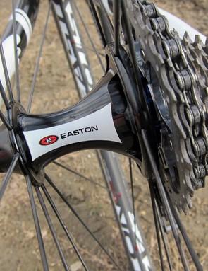 Geoff Kabush's (Maxxis-Rocky Mountain) carbon tubular rims are anchored around Easton R4SL hubs