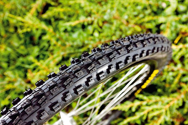 Maxxis Minion F DH 2.35in tyre