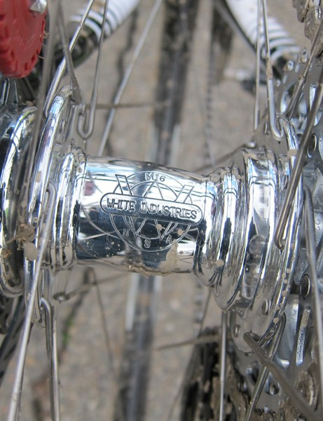Tim Johnson's (Cannondale-Cyclocrossworld.com) custom Zipp wheels were built around White Industries MI6 hubs