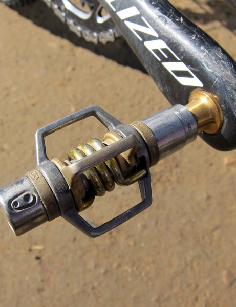 CrankBrothers Eggbeater 11 pedals are ultralight and highly resistant to clogging