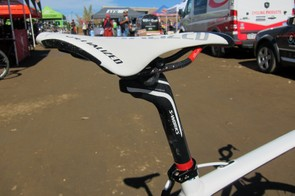Todd Wells (Specialized) is apparently plenty confident in the strength of his Specialized carbon seatpost and carbon-railed saddle