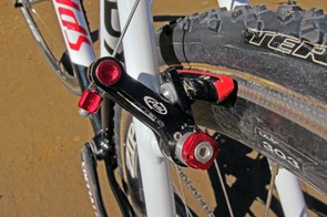 Specialized Roval carbon-specific pads (made by SwissStop) are fitted to Avid Shorty Ultimate cantilevers. Note the road pad holders instead of the stock units to better fit with the extra-wide Zipp rims