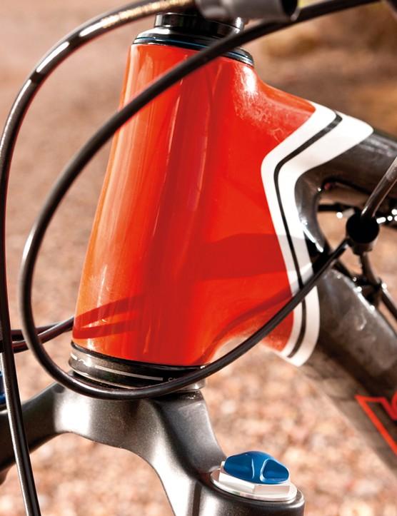 Tapered head is a nod to classic Santa Cruz carbon bike design