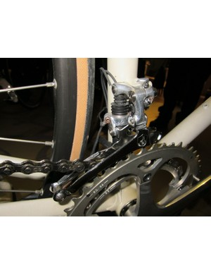 Campagnolo's first electronic front derailleur was actually a little smaller than the one that debuted 20 years later but wasn't powerful enough