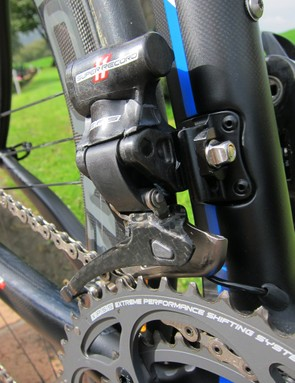 Campagnolo amplify the output of the front derailleur stepper motor with a small gearbox