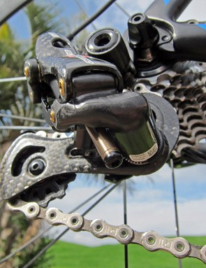 The actuator rod on the Super Record EPS rear derailleur is TiN-coated aluminum to save a few grams