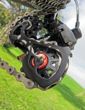 Campagnolo equip the Super Record EPS rear derailleur with ceramic pulley bearings