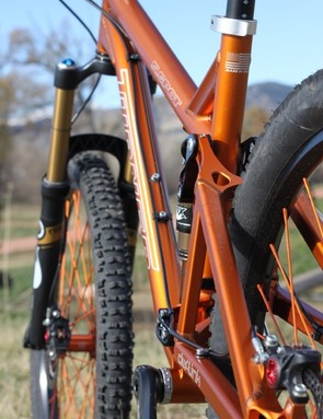 The cables run clean from down tube to rear swingarm; the 5.Spot is also provisioned to accommodate a dropper post cable