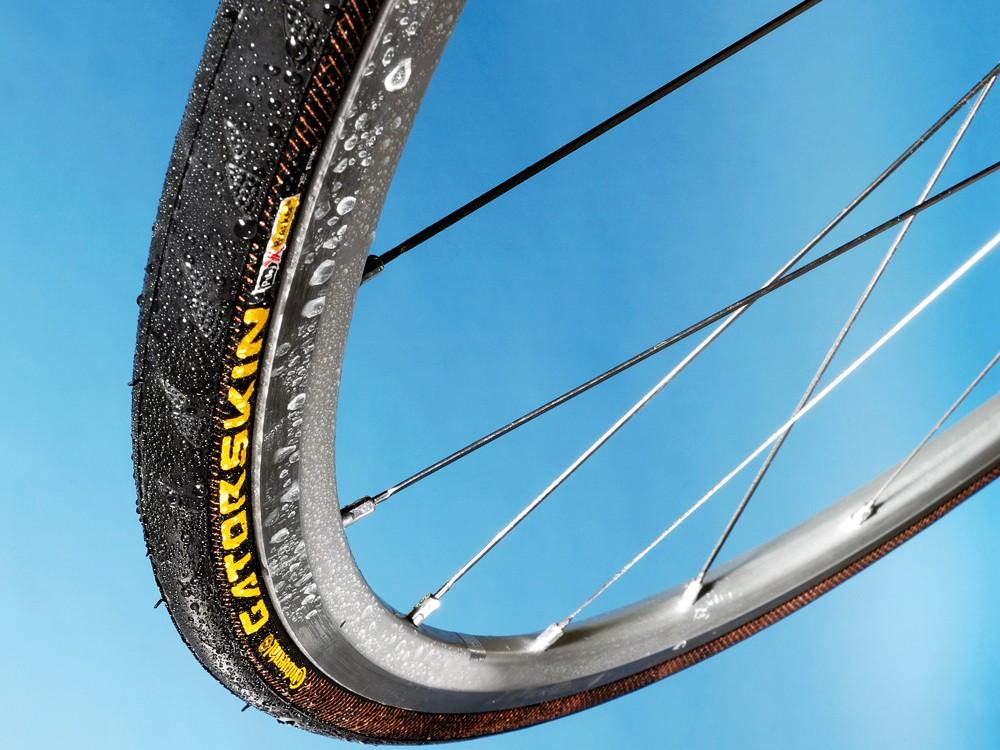 Continental Gatorskin road tyre