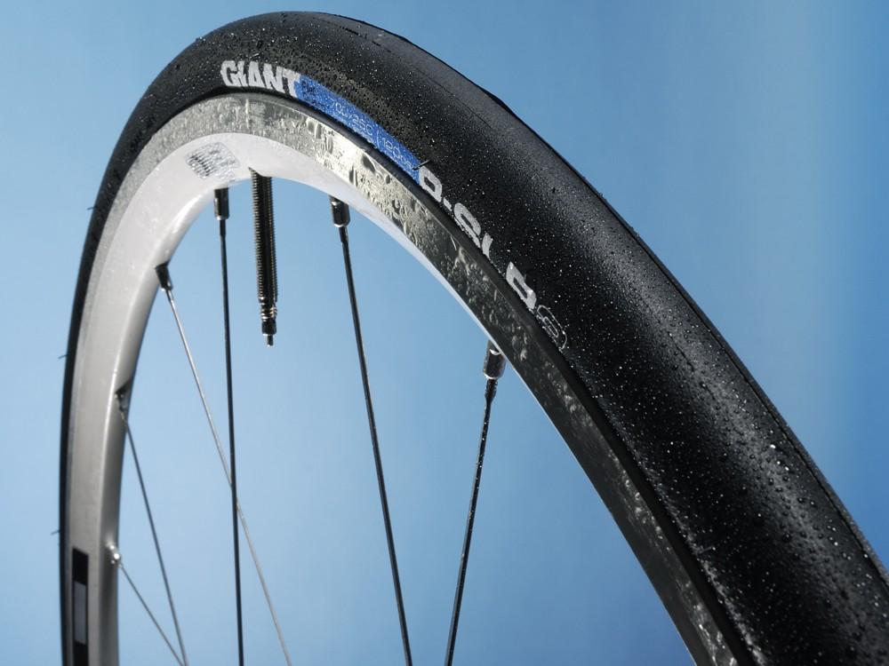 Giant P-SLR2 road tyre