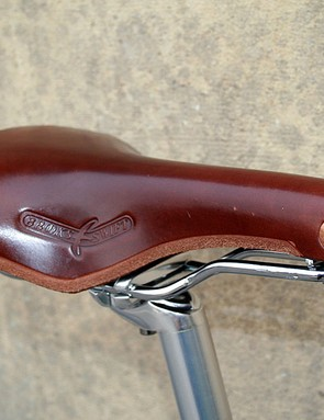 The Brooks Swift saddle on the Raleigh Clubman