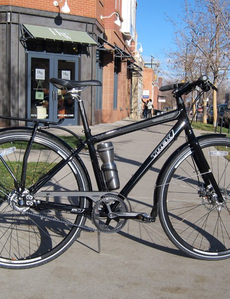 The Trek Soho Deluxe looks to be well equipped for the rigors of urban commuting