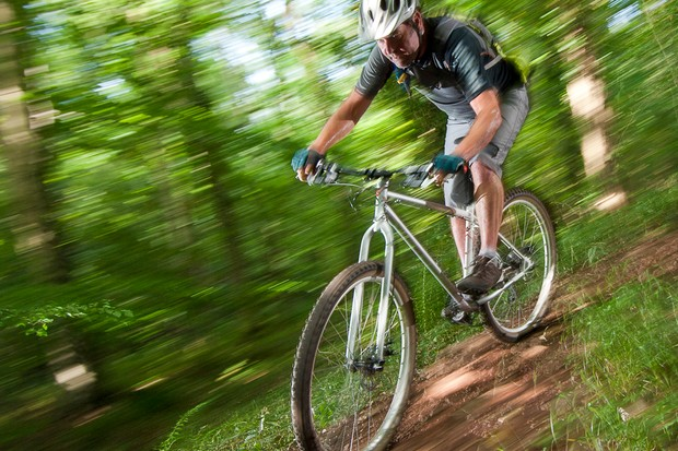 The steering is lively enough to have fun on fast twisty singletrack
