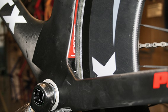 The seat tube hugs the rear tyre closely, but not too closely - we could easily slide a credit card around the arch