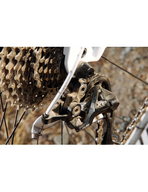 The all-Shimano drivetrain is topped off with an XT Shadow rear mech
