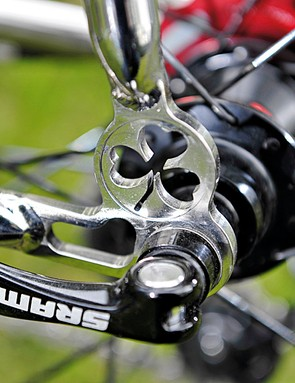 Lynskey's trademark cloverleaf is machined into the rear dropouts