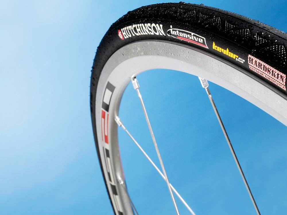 Hutchinson Intensive road tyre