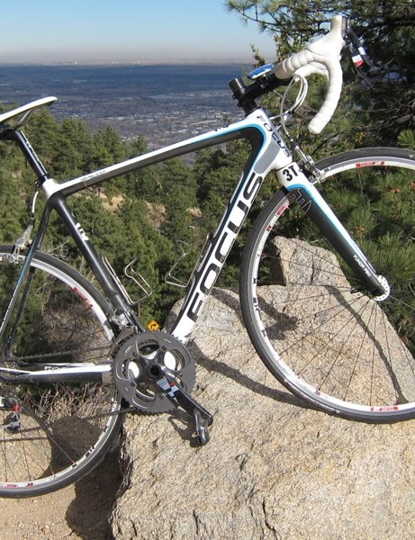 The Izalco Team 2.0 holds the third spot in the Izalco Team model line, but the frame and kit are ready for professional racing