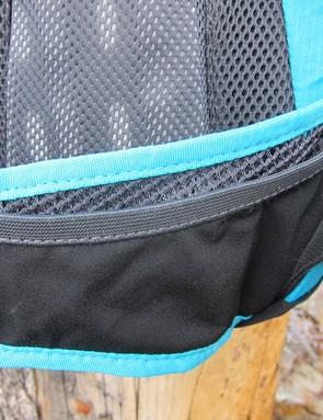 Hydrapak Jolla waist pockets