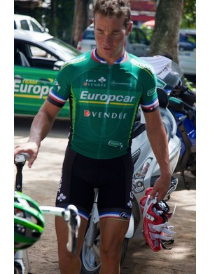 Thomas Voeckler with his new Carbon Pro Team shoes