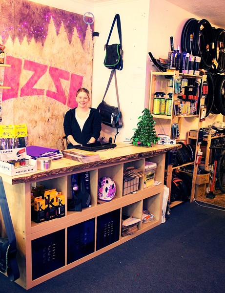 Izzivelo has been born out of a desire to offer women a better choice of cycle clothing and accessories