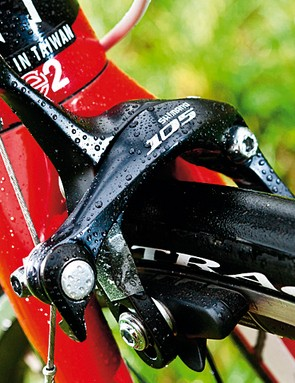 A 105 front mech and brakes are the only exceptions on this full ultegra-equipped bike