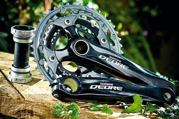 Shimano Deore M590 crankset