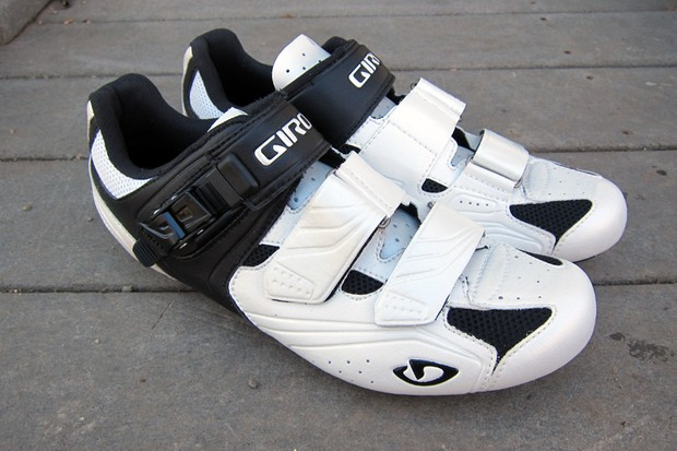 Giro's new Apeckx shoes offer a lot of performance and a quality fit for a modest amount of cash