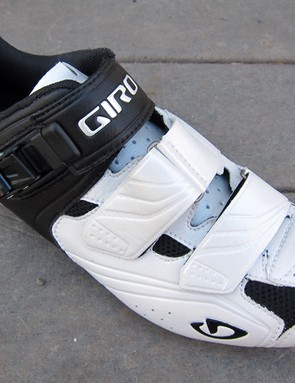 The forefoot straps are offset to minimize pressure on top of your foot